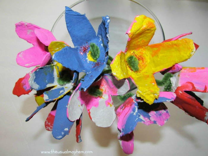 Flower Egg Carton Craft from The Usual Mayhem and B-InspiredMama.com