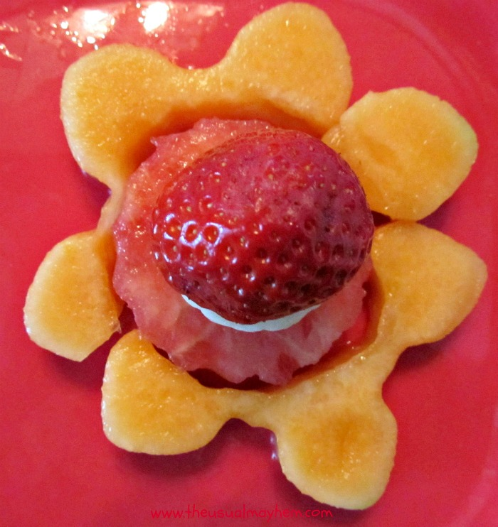 Play with Food - Fruit Flower from The Usual Mayhem and B-InspiredMama.com