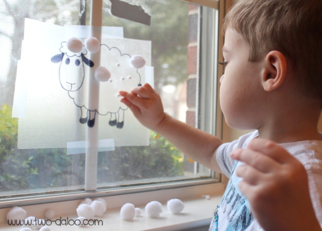 Sticky Sheep Sensory Activity from Twodaloo and B-InspiredMama.com