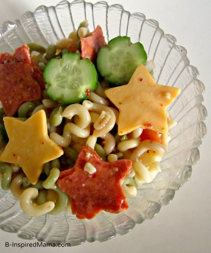 Silly Star Pasta Salad for Kids - Sponsored by Kraft Zesty Italian at B-InspiredMama.com