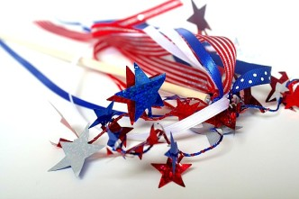 Patriotic Spirit Wand 4th of July Craft at B-InspiredMama.com