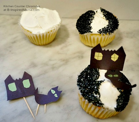 Haunted House Halloween Cupcakes at B-Inspired Mama