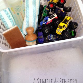 A Simple Truck Wash for Sensory Play - Sponsored by #TheHonestCompany at B-Inspired Mama