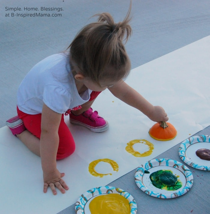 Painting a Kids Thanksgiving Table Runner at B-Inspired Mama