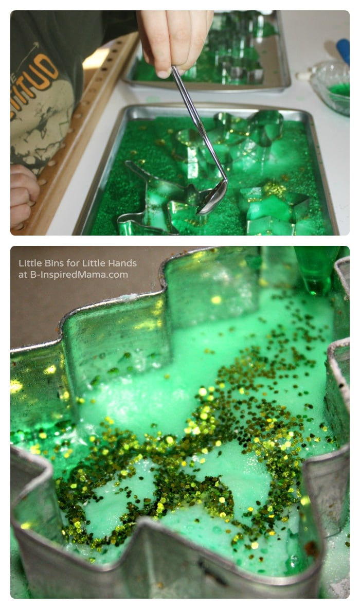 Fun Fizzing Christmas Science Fun - Little Bins for Little Hands at B-Inspired Mama