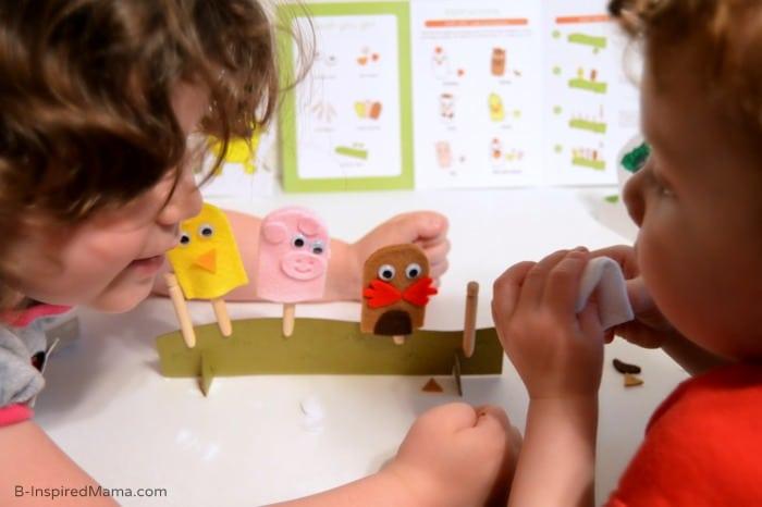 Fun Summer Activities Right to Your Door - Making Farm Finger Puppets - [AD #KiwiSummerFun] at B-Inspired Mama