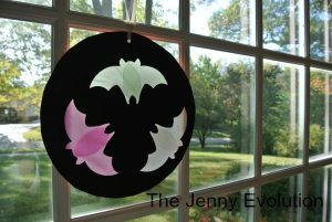 Bat Silhouette Craft + More Autumn Animal Activities and Crafts + The Kids Co-Op Link Party at B-Inspired Mama
