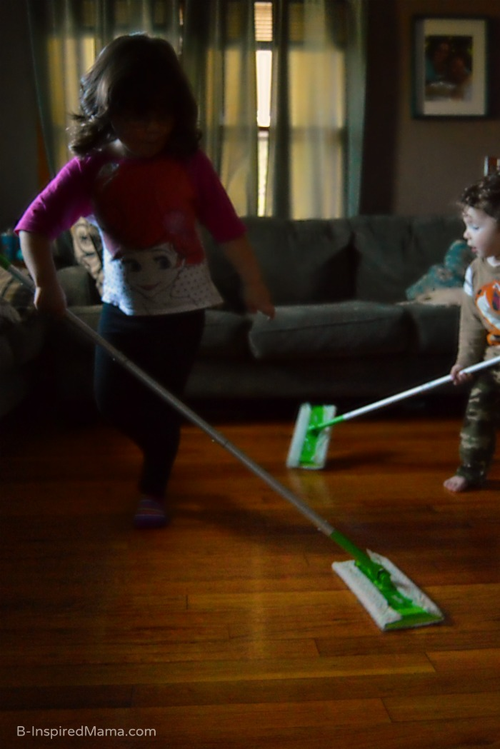 A Swiffer Family Cleaning Session + Life Lessons for Kids from their Pets [#sponsored #SwifferEffect] at B-Inspired Mama