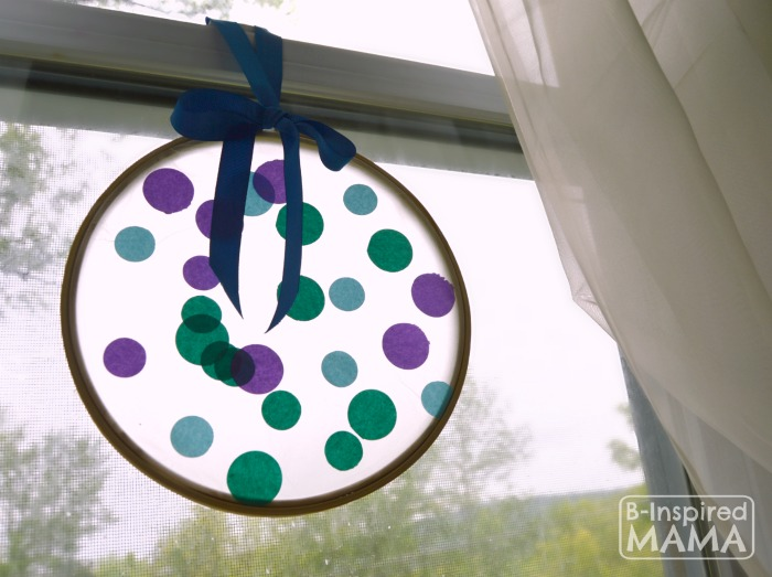 A Simple Circles Suncatcher Summer Craft for Kids at B-Inspired Mama