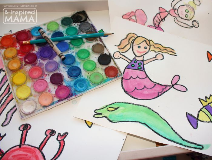 Sparkly Ocean Sensory Bag Craft for Kids - Making Watercolor Sea Creatures - at B-Inspired Mama