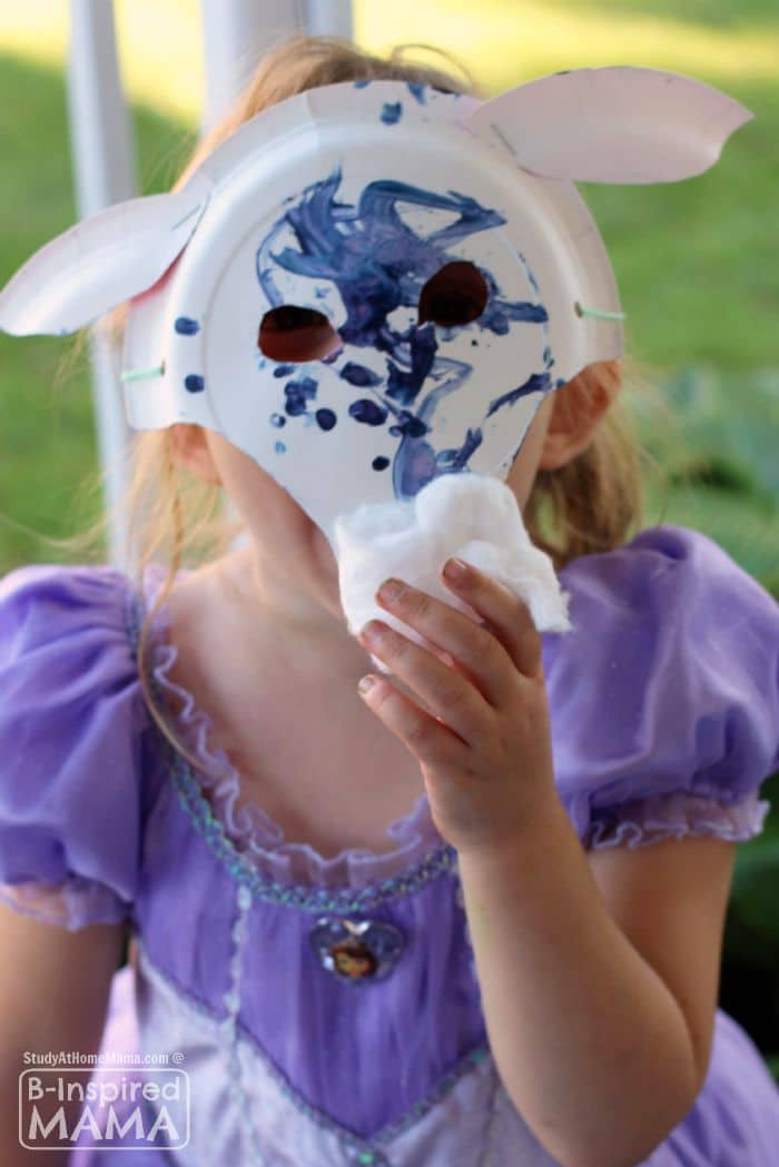 A Fun Billy Goats Gruff Paper Plate Mask Craft - at B-Inspired Mama