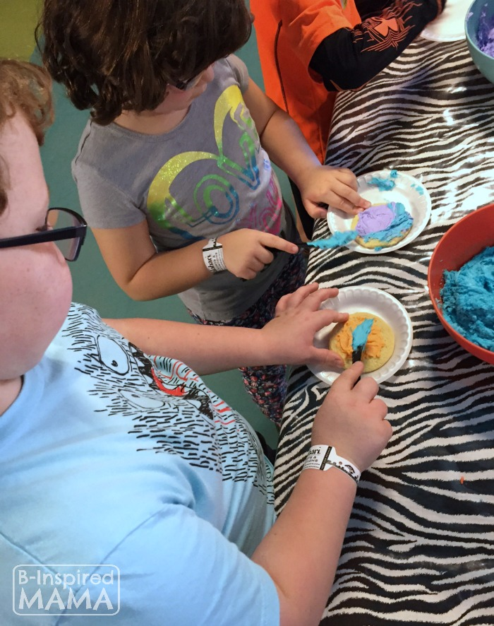 Our Kalahari Indoor Water Park Adventure - Decorating Cookies - at B-Inspired Mama