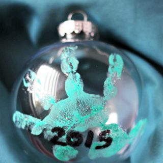A Super Sweet Homemade Baby's Handprint Ornament for Christmas - at B-Inspired Mama