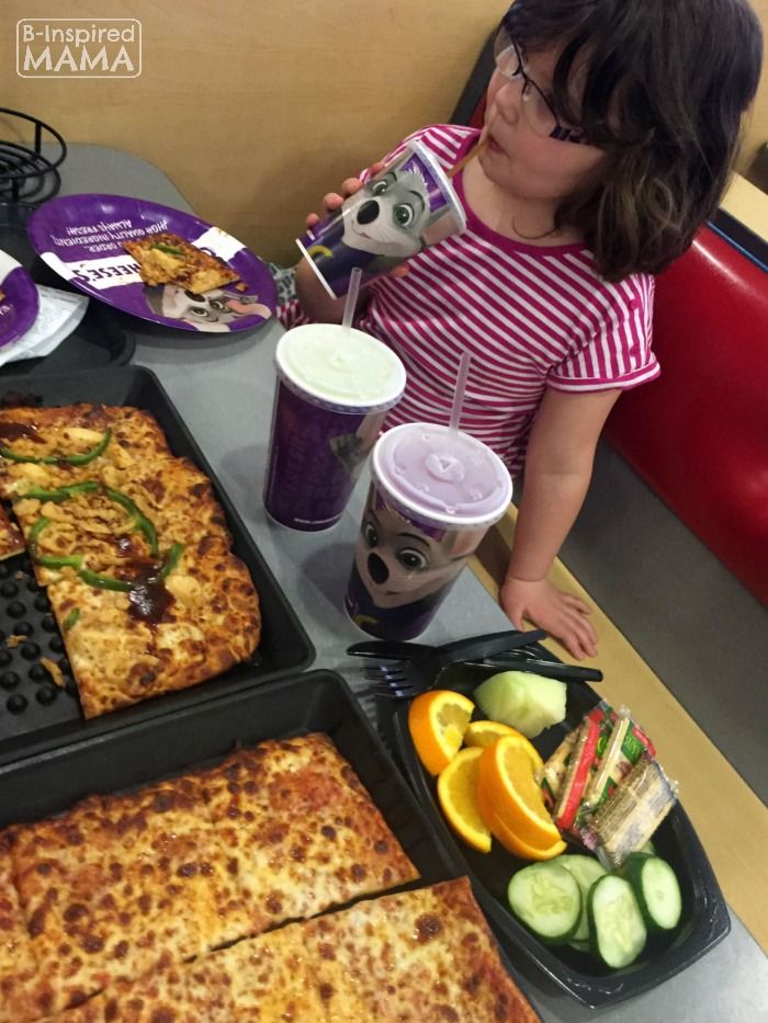 9 Tricks for a Stress-Free Chuck E Cheese's Trip - Utilize the Salad Bar for Picky Eaters - at B-Inspired Mama