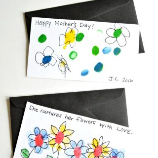 Fingerprint Flowers - Sweet Handmade Mother's Day Cards for Kids - at B-Inspired Mama