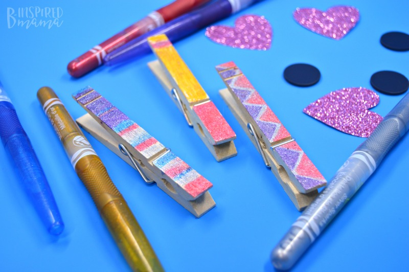 Making our Glittery DIY Magnet Photo Clips - perfect for hanging the kids sparkling selfies - at B-Inspired Mama