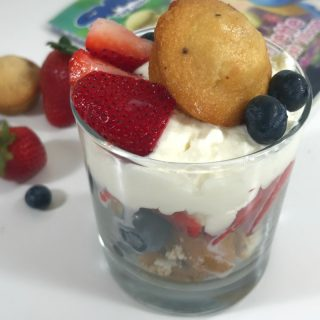 Super Fun Smurf-Inspired Blueberry Muffin Parfait Recipe