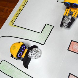 How to Make a Simple DIY Playmat for Kids Robot Toys!