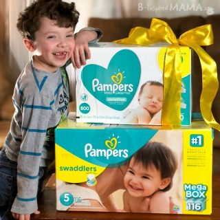 A Challenge - A Simple Act of Kindness for a Fellow Mom - Like surprising her with Pampers diapers and wipes + 4 MORE Easy Ideas!